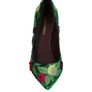 Showstopper!! NWB Green Bruno Magli shoes - 36.5